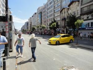 Halaskargazi Caddesi, approaching Rumeli Caddesi
