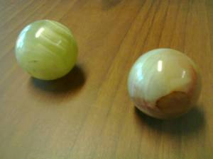 onyx-balls