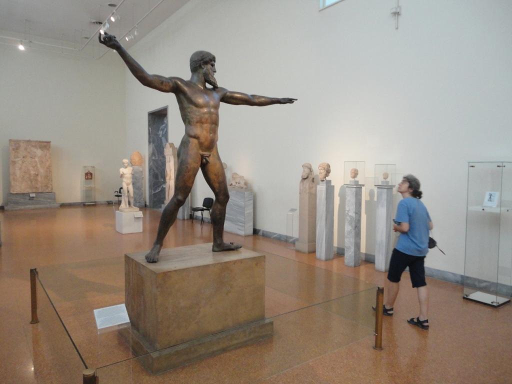 Zeus poised to throw a thunderbolt